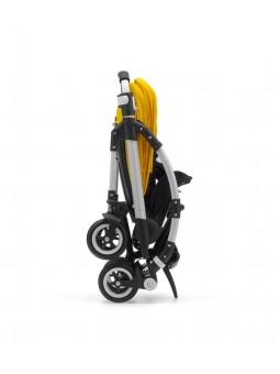 Permite que el cochecito, una vez plegado, se mantenga en pie.  Ideal para almacenar el cochecito fácilmente de manera vertical.